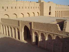الأميرعامر الخفاجي سلطان العراقيين صاحب قصر الاخيضر  01