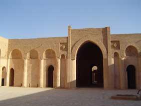 الأميرعامر الخفاجي سلطان العراقيين صاحب قصر الاخيضر  03