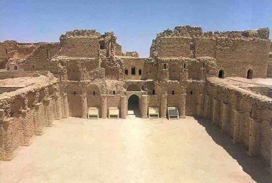 الأميرعامر الخفاجي سلطان العراقيين صاحب قصر الاخيضر  06