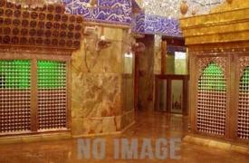 اليوم الأول: - هجرة النبي (صلى الله عليه وآله) إلى يثرب مرورًا بغار ثور و مبيت الإمام علي (عليه السلام) على فراش النبي سنة 13 هـ